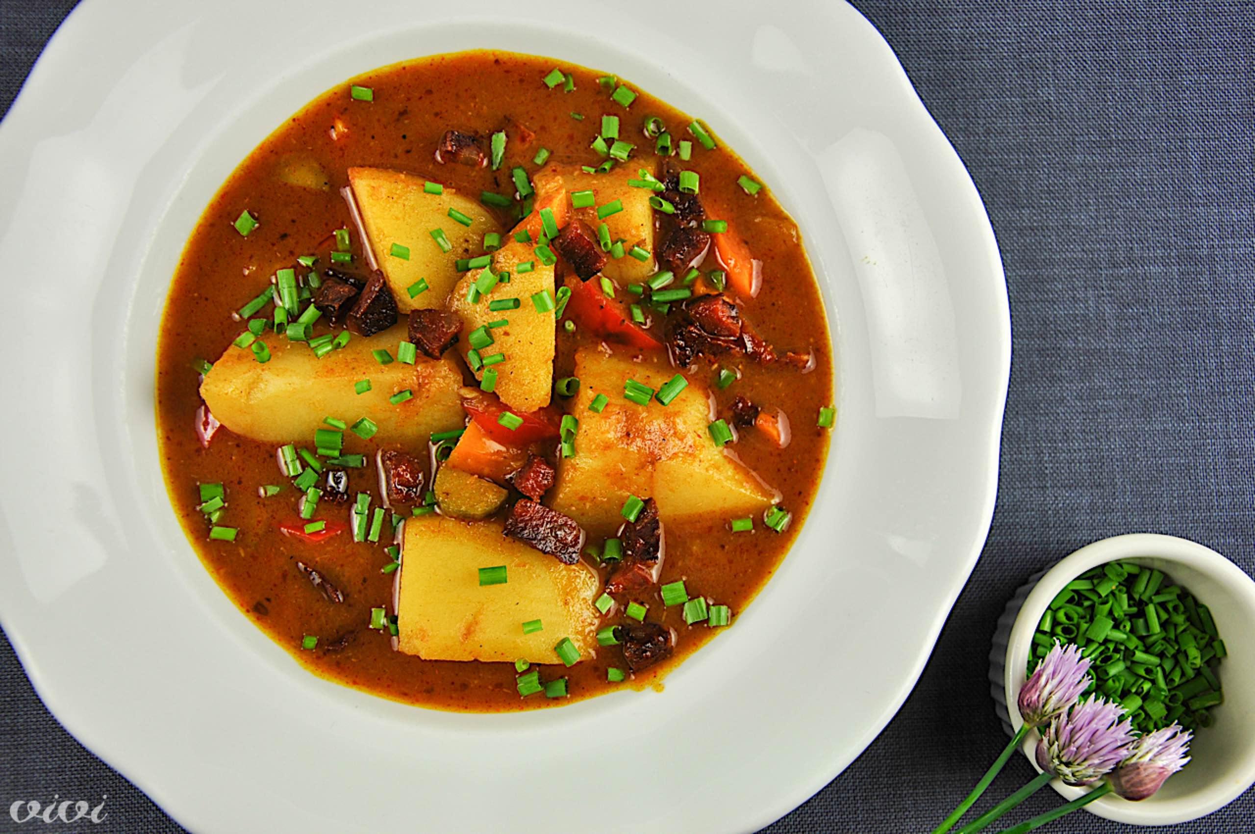 krompirjev golaz s papriko 4