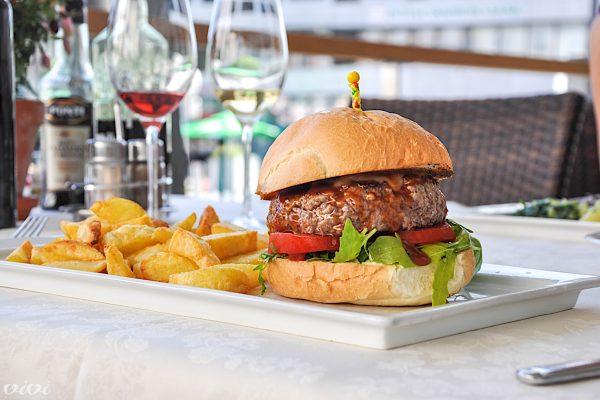 proteus burger 1