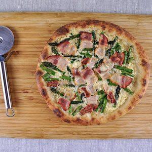 pizza sparglji slanina creme fraiche 1