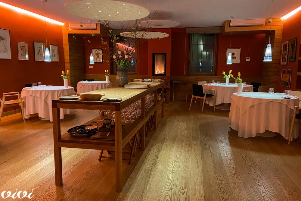 hiša franko nova jedilnica zvečer