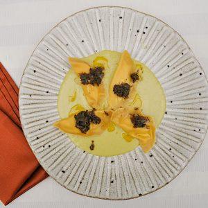 ravioli z zeleno črni tartufi z maslom5