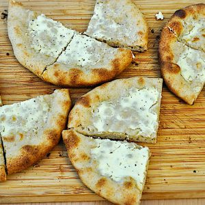 pizzete s creme fraiche žar