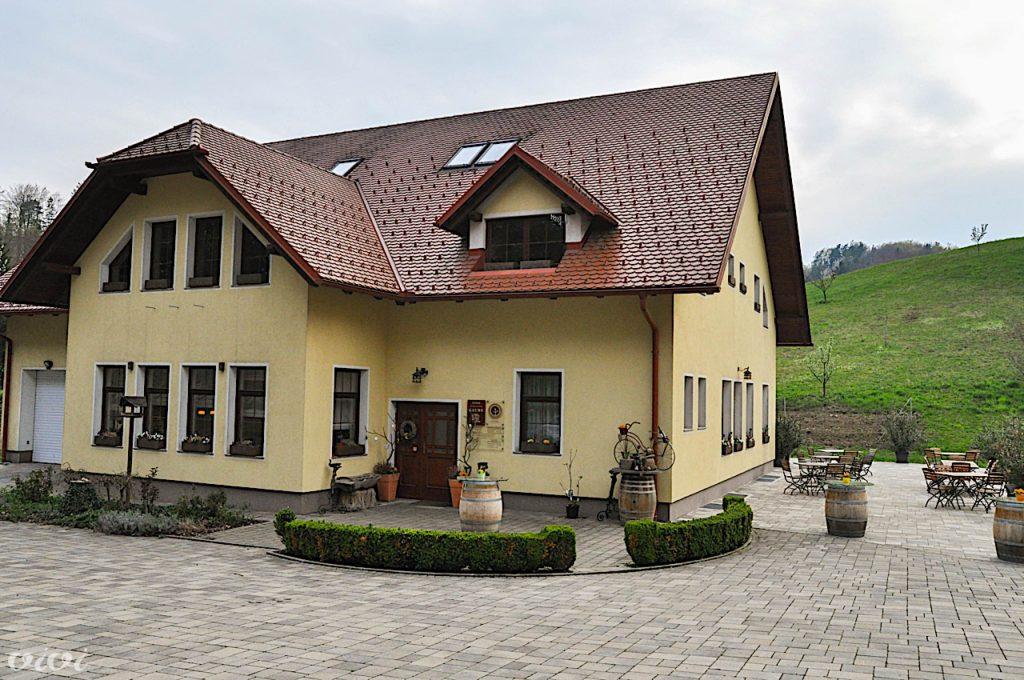 gaube 2019 hiša zunaj2