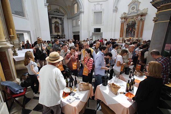 orange wine cerkev