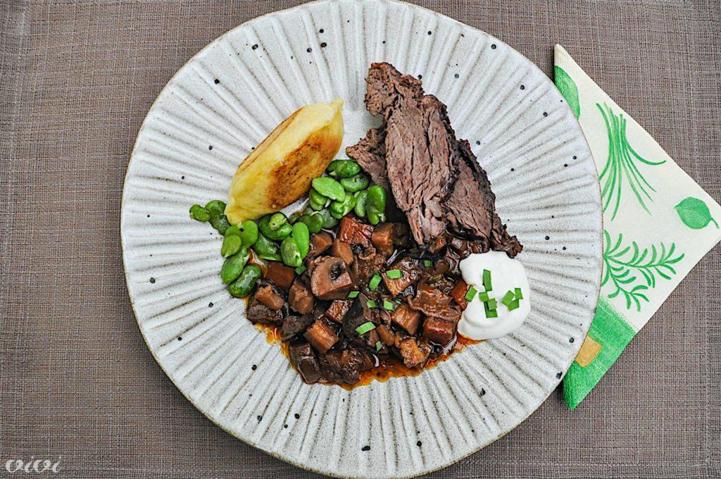 dušena govedina z zelenjavo in piroške3