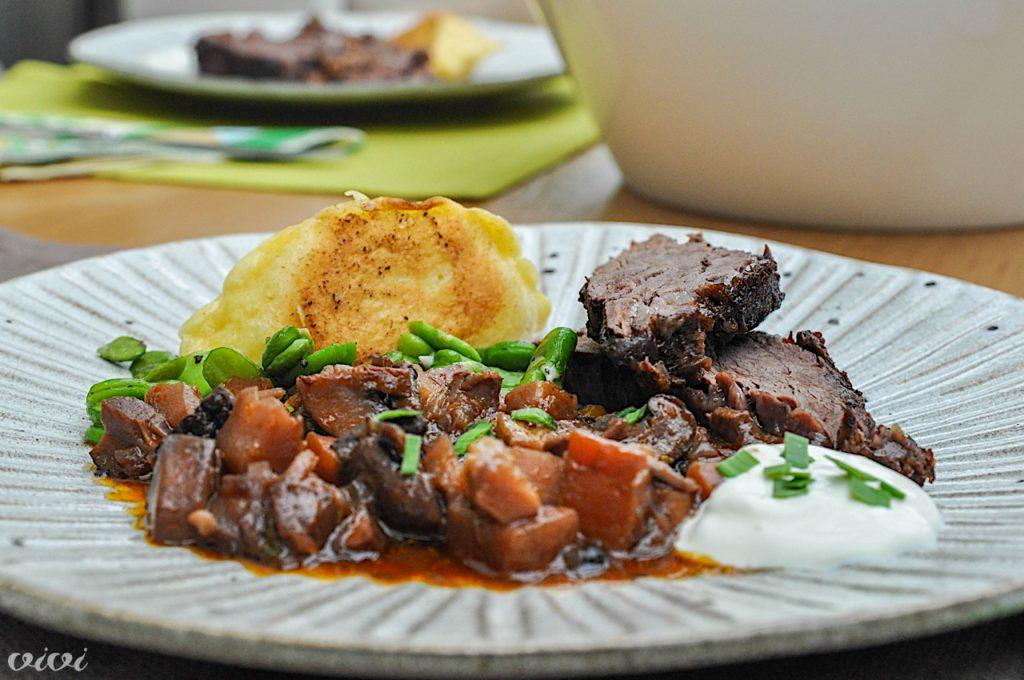 dušena govedina z zelenjavo in piroške4
