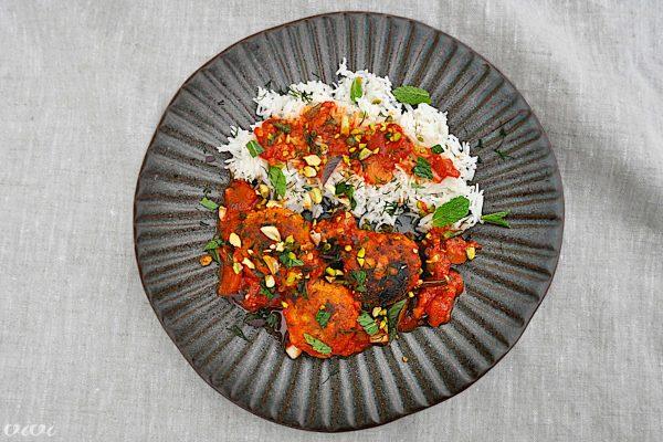 trskini polpeti v paradižnikovi omaki z meto in pistacijami6