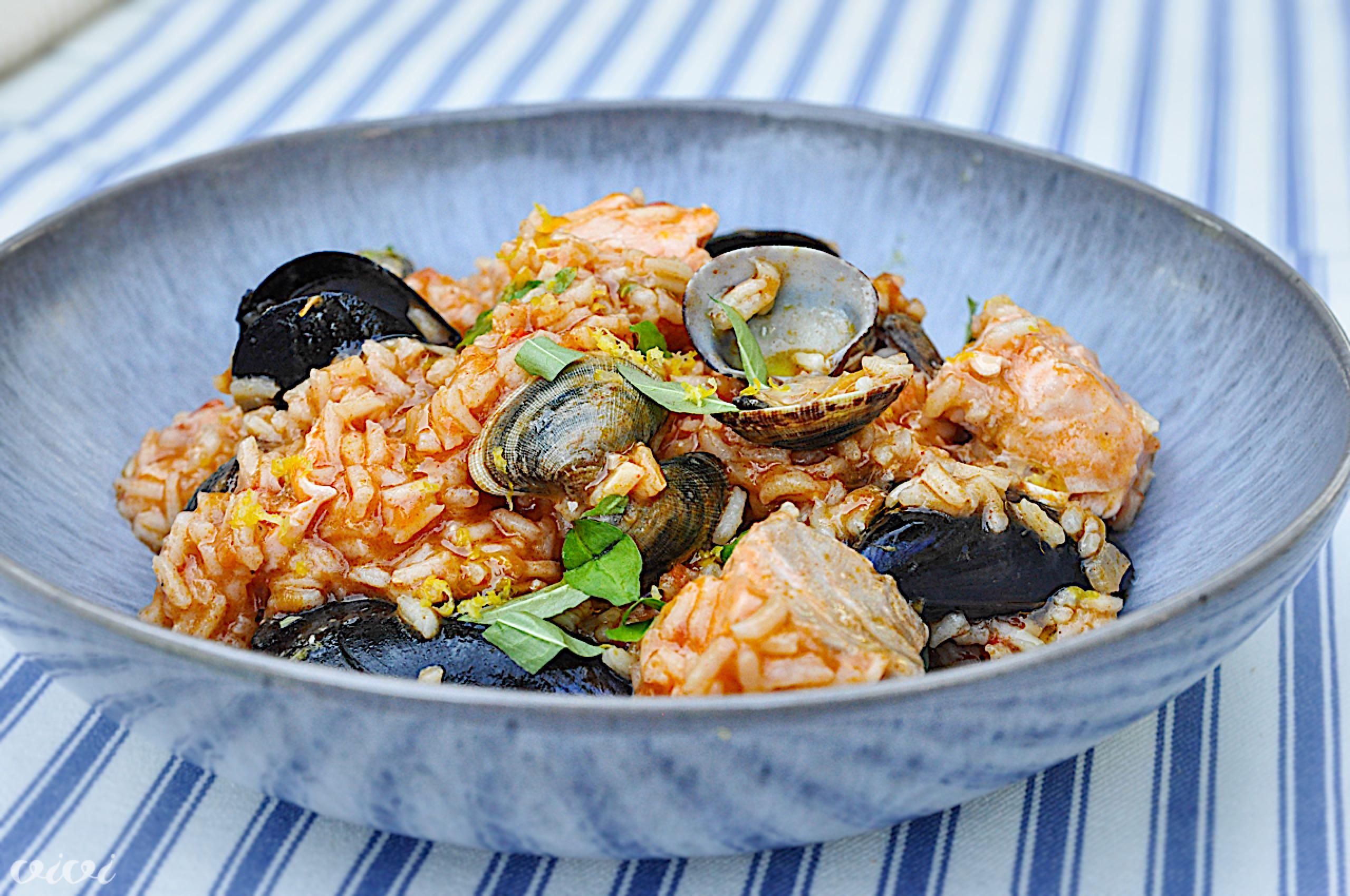 portugalska riževa ponev školjke losos3