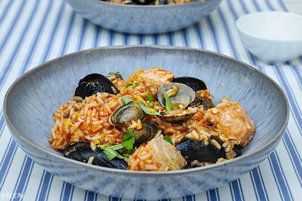 portugalska riževa ponev školjke losos5