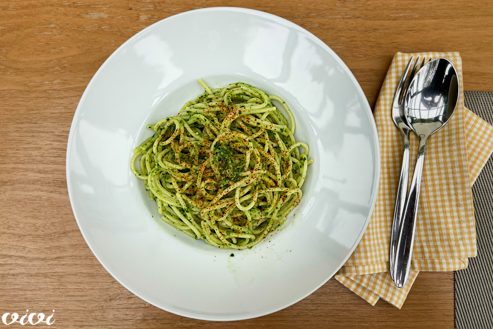 špageti čemažev pesto