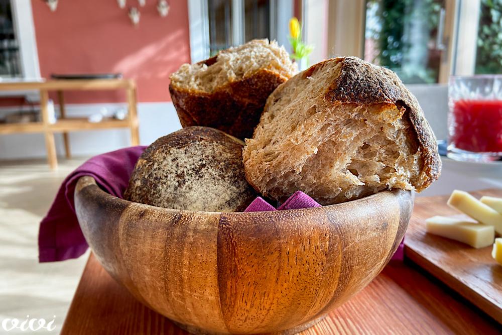 hiša franko zajtrk kruh