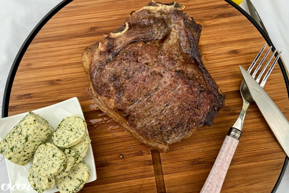 pecen steak zeliscno maslo maitre d hotel3