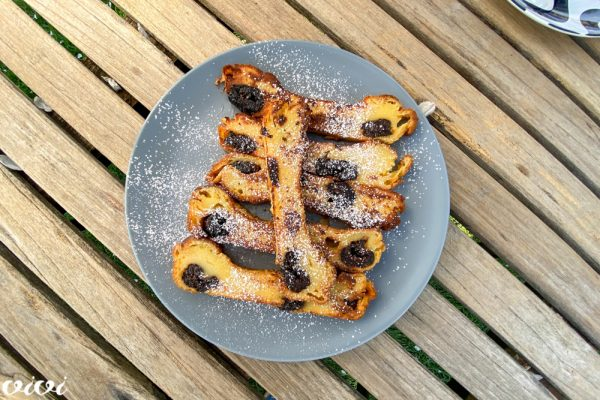 bretanjski kolač s suhimi slivami popečen2