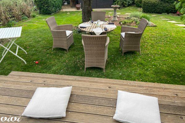 vrt miza na travi2
