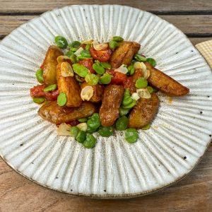 pečen krompir z bobom in paradižniki1