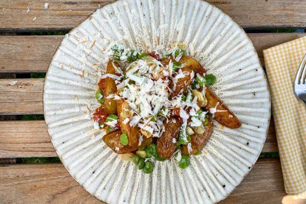 pečen krompir z bobom in paradižniki4