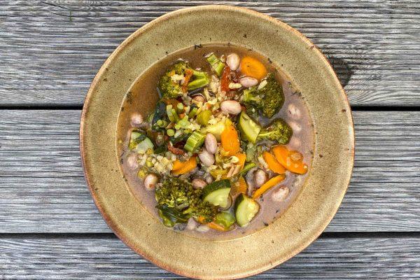 zelenjavna mineštra z rižem in brokolijem2