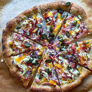 polnozrnata pizza z bučo slanino in hrenom3