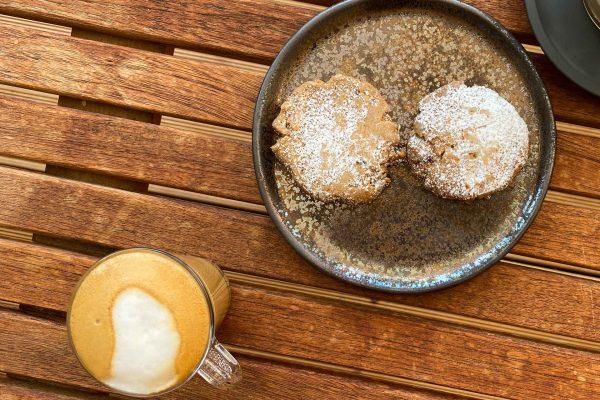 pekanovi keksi in macchiato