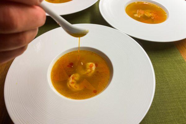 bistra bučna juha s kozicami2