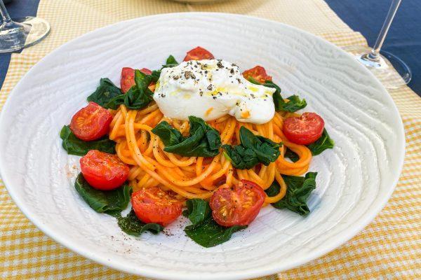 špageti s paradižnikom, špinačo in burrato023