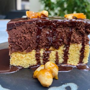 čokoladno karamelna rezina z arašidi011