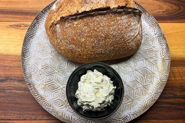 sardelni namaz in kruh z drožmi003