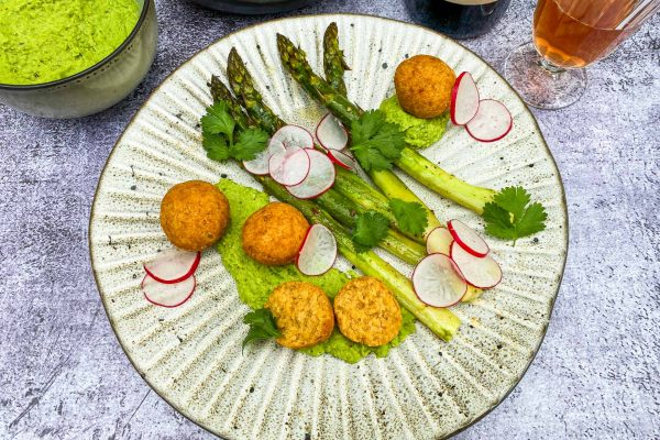 lečini cmoki, šparglji in bobov guacamole003