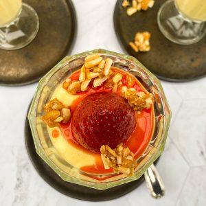 peneča vaniljeva krema in pečene jagode s krokantom2
