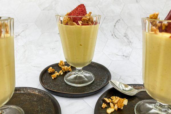 peneča vaniljeva krema in pečene jagode s krokantom4