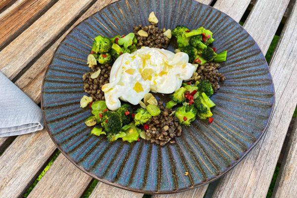 Brokoli, leča in burrata029