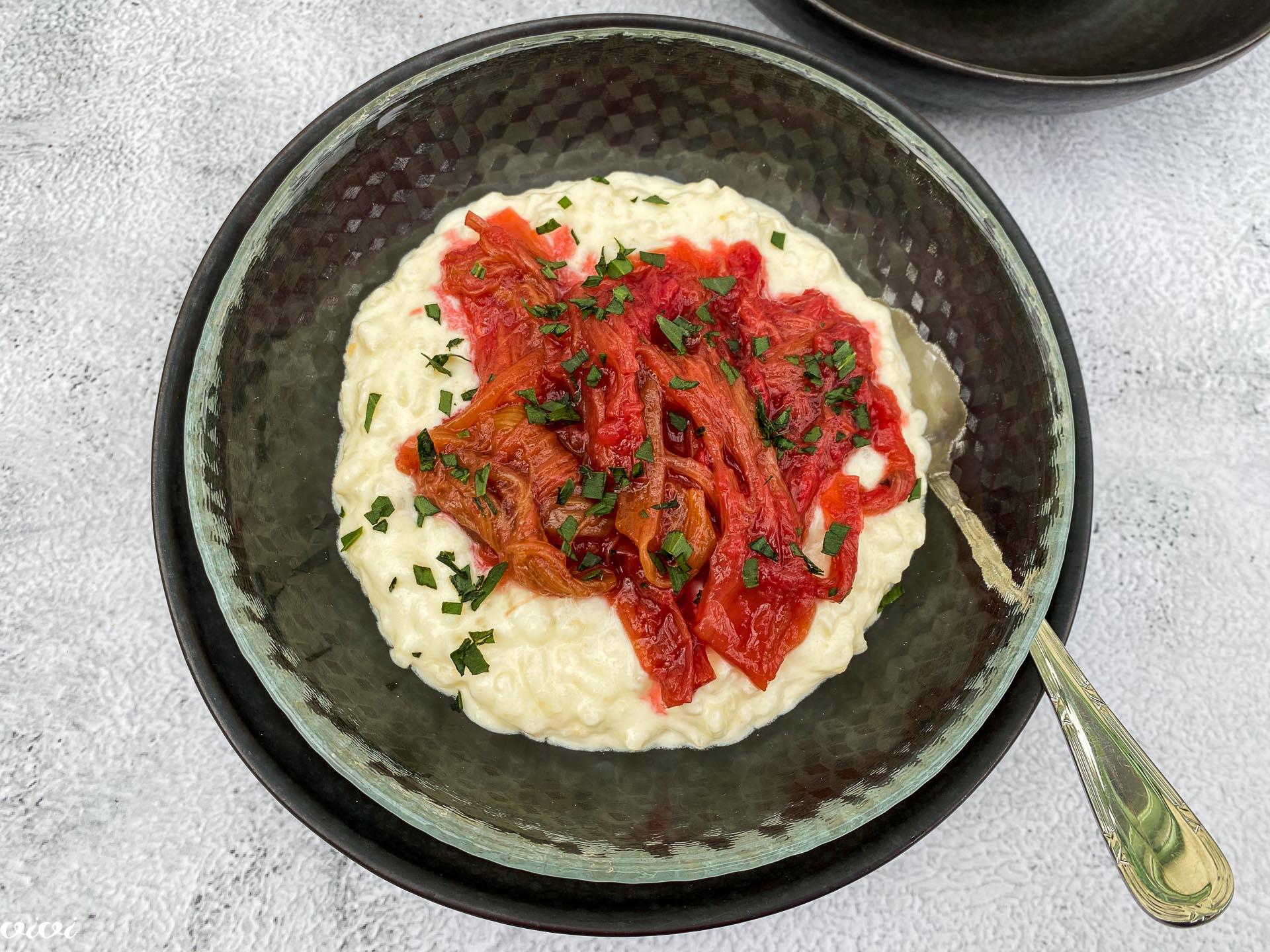 Mlečni riž z rabarbaro in pehtranom015