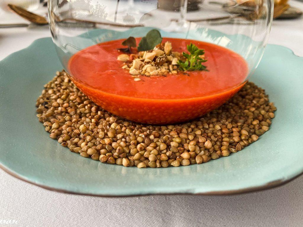Hiša Krasna, hladna paradižnikova juha z lešniki1