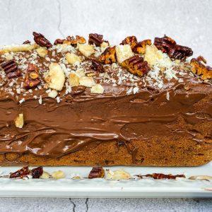 Bananin čokoladni kolač s kokosom in pekani011