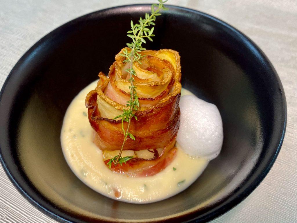 Hotel Leonardo TR21j, dodatna ponudba, Krompirjev zvitek s slanino, jurčkova krema s svežim sirom