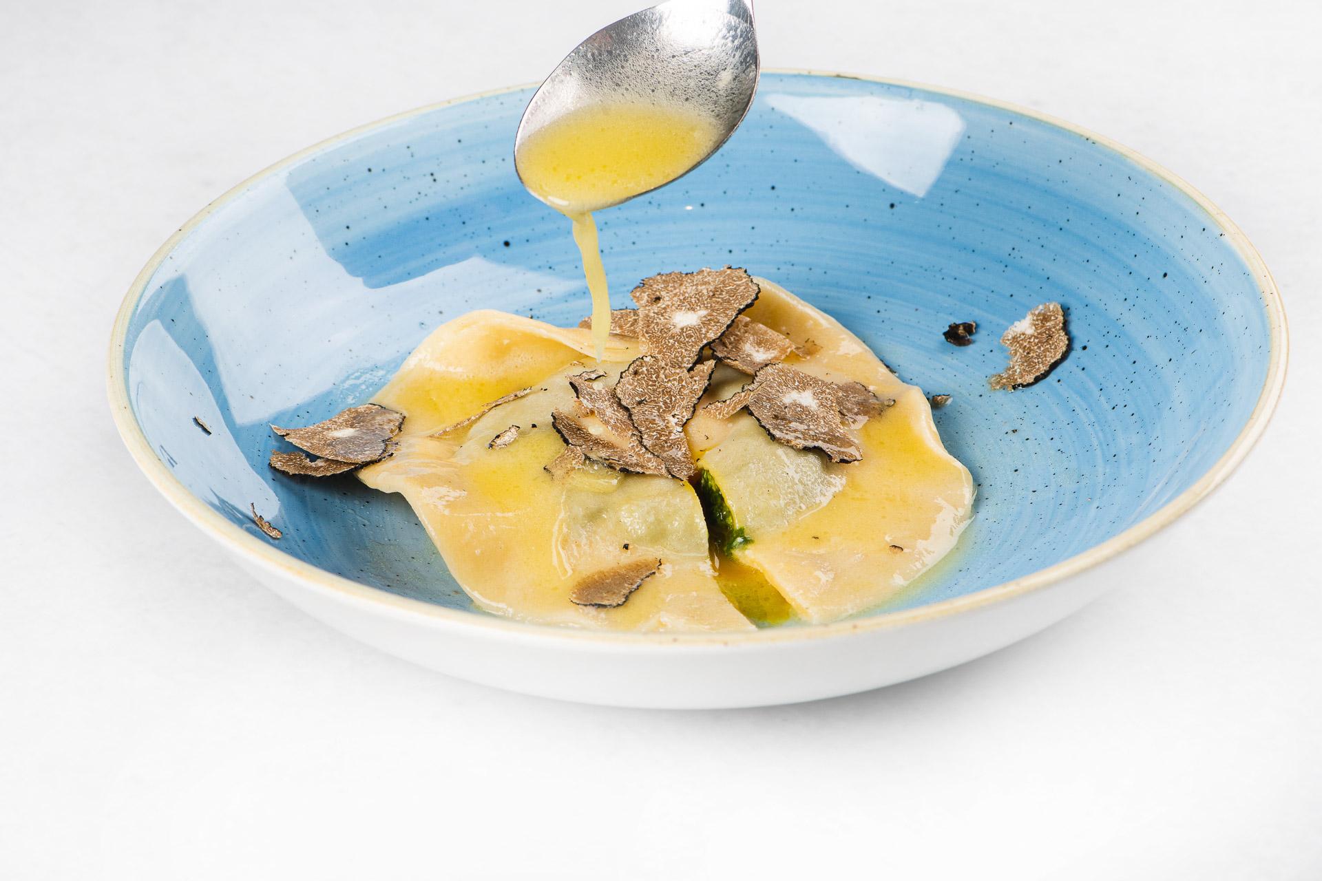 Mirje TR21j, Ravioli z rumenjakom, špinača, rikota, tartufi